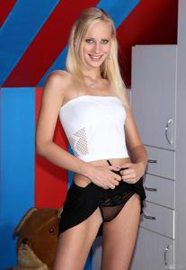 Porn-Picture-z5n48l1pac.jpg
