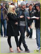 th_984861186_christina_aguilera_keeps_he