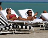 th_45048_Jesica_Cirio_Bikini_Candids_on_the_Beach_in_Miami_October_29_2012_03_122_1093lo.jpg