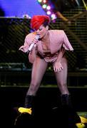 th_55189_RihannaLastGirlOnEarthTourLasVegasUSA17.07.2010_100_122_1099lo.jpg