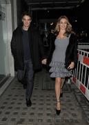 Келли Брук, фото 4555. Kelly Brook Leaving her Hotel - London - 22/02/12, foto 4555