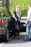 th_77568_celebrity-paradise.com-The_Elder-Heidi_Klum_2010-02-18_-_heading_into_a_studio_in_LA_147_122_1123lo.jpg