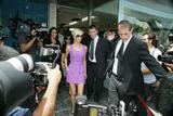 123mike HQ pictures of Victoria Th_03467_Victoria_Beckham_shopping_in_Beverly_Hills_041_123_175lo