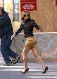 sexy-Kate-Hudson-legs-4