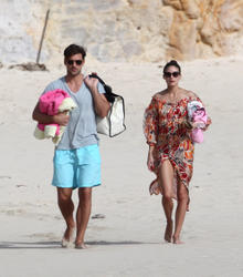 th_21467_OliviaPalermo_BikinicandidsonthebeachinSaintBarthelemy_January4201118_122_623lo.jpg