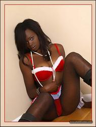 [Image: th_145638935_tduid2978_Pantyhose_Ebony_0..._732lo.jpg]