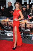 http://img184.imagevenue.com/loc743/th_537631258_AmyWillerton_olympus_has_fallen_uk_prem_041_122_743lo.jpg