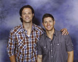 http://img184.imagevenue.com/loc760/th_61160_Salute_To_Supernatural_Convention4_122_760lo.jpg