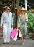 Nicollette Sheridan - Shopping in Saint Barth, 26-12-2007 Foto 123 (�������� ������� - ������� � ����-����, 26-12-2007 ���� 123)